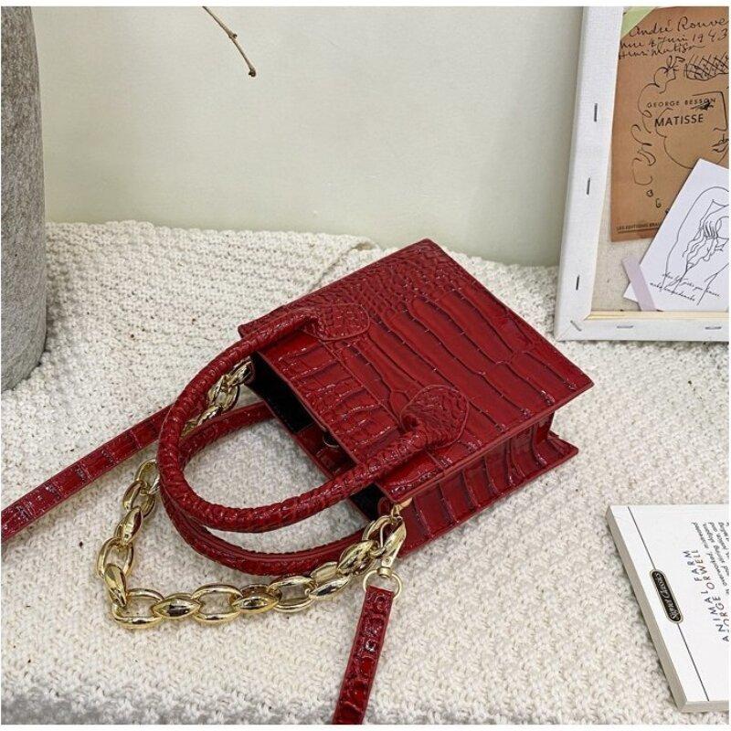 Ladies Mini Vissy Bag With Chain (1001054)