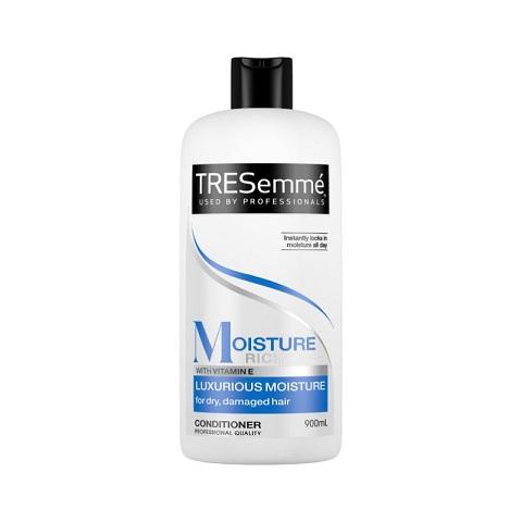 TRESemmé Moisture Rich Luxurious Moisture Conditioner For Dry Or Dull Hair 900ml
