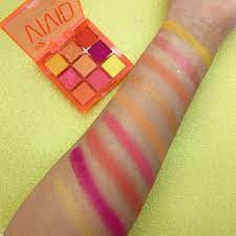 W7 Vivid Pressed Pigment Palette - Outrageous Orange